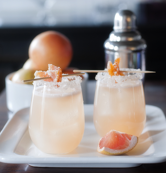 candied grapefruit cocktail | www.prettyplainjanes.com