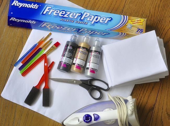 freezer_paper_stencil_pillows_2