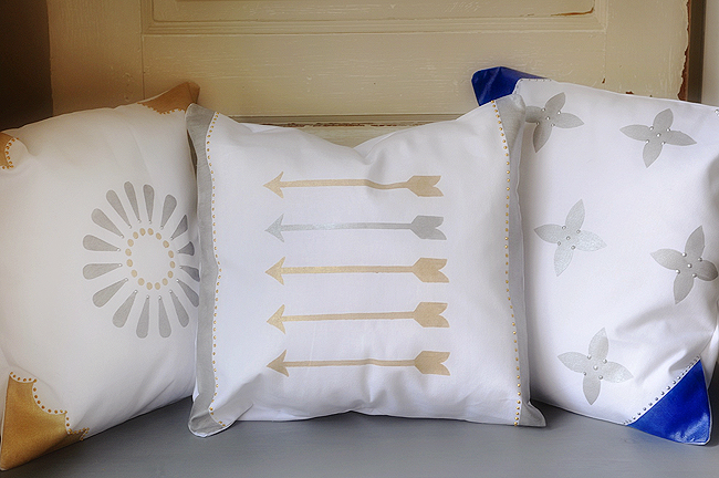 freezer_paper_stencil_pillows_5
